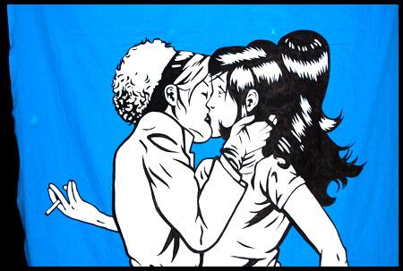 tjejer som kysser varandra
