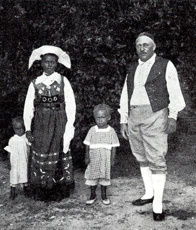 Carl Pettersson med fru och två barn