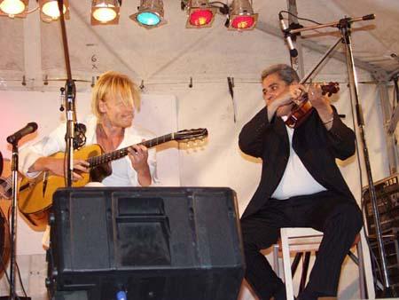 Andreas Öberg och Marin Nas på scenen
