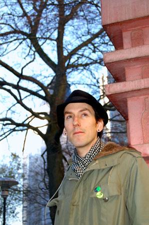 Rasmus Malm i svart hatt