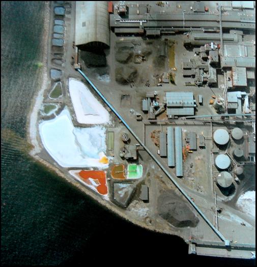 flygbild Rönnskärsverken, vid vattnet